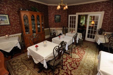 Dry Ridge Inn Breakfast Room